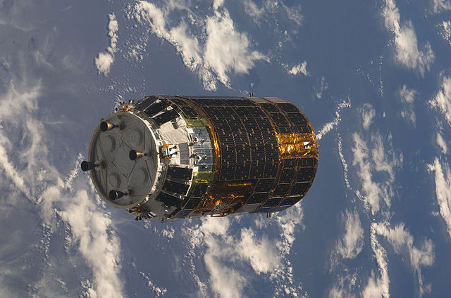 800px-HTV-1_approaches_ISS.jpg